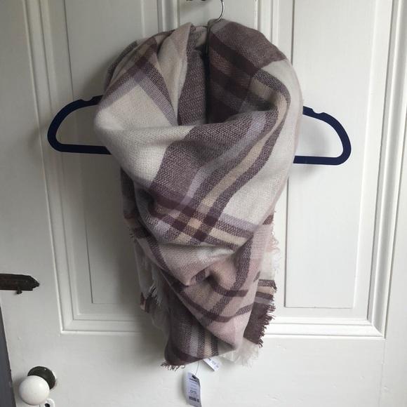 a414595a966 Soft cozy purple blanket scarf NWT